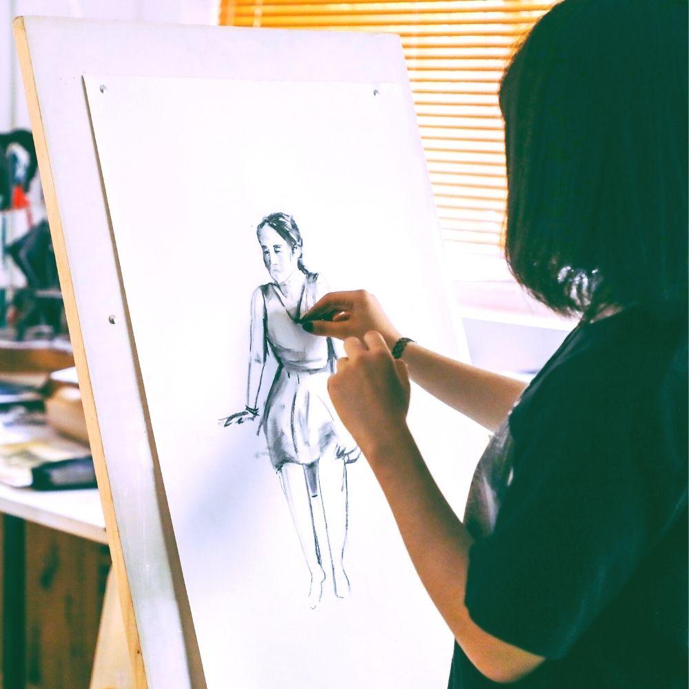 Create Art Studio Life Drawing Human Form online drawing class
